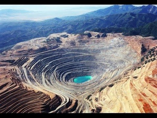 The Biggest Pit in the World; Copperton, Utah