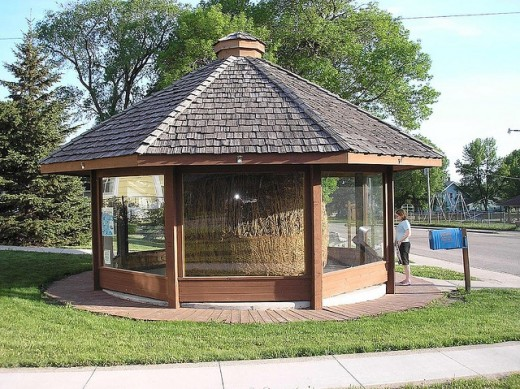 The World's Largest Twine Ball [by One Man]; Darwin, Minnesota