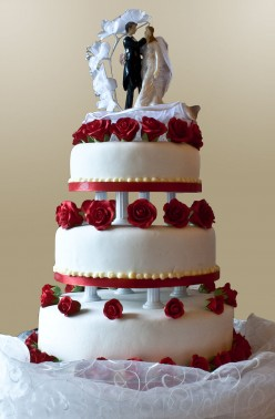 Traditional Wedding Cake Being Replaced With Cupcakes