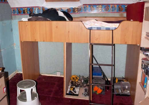The new drawers carcass acts as the structural support for the bed; previously done by the old under bed storage units.