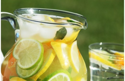 Homemade Lemonade With Beneficial Vitamin C and Potassium