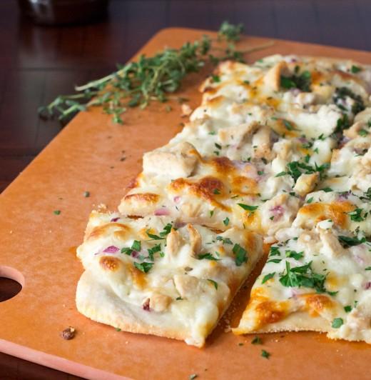 Roasted Garlic White Chicken Pizza