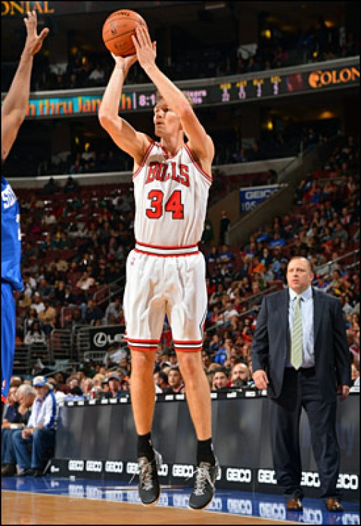 Dunleavy goes up for 3
