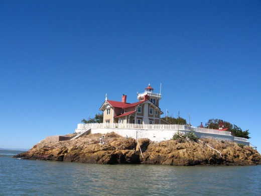 Historic East Brother Light House & Victorian Bed & Breakfast