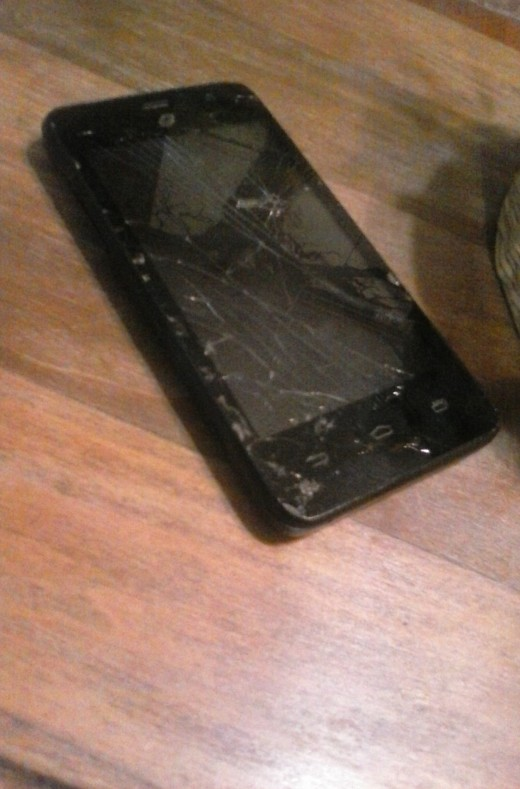 My phone of 1 year now. It shows its age.