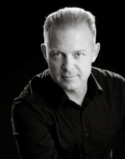 A short Bio Douglas Vermeeren - Personal Power Mastery