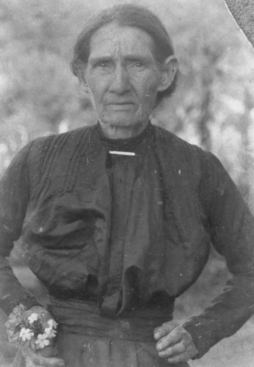 Martha Rogers Garrish. Daughter of Dovie Martin, Born 1841 NC. Died 1924 NC.