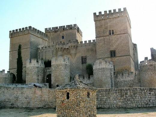 Ampudia-Castillo by Zarateman Public Dmain