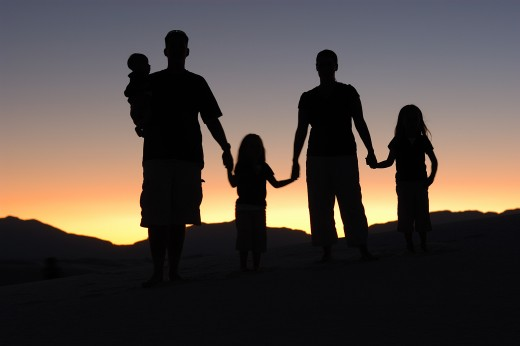 what a lovely family silhouette