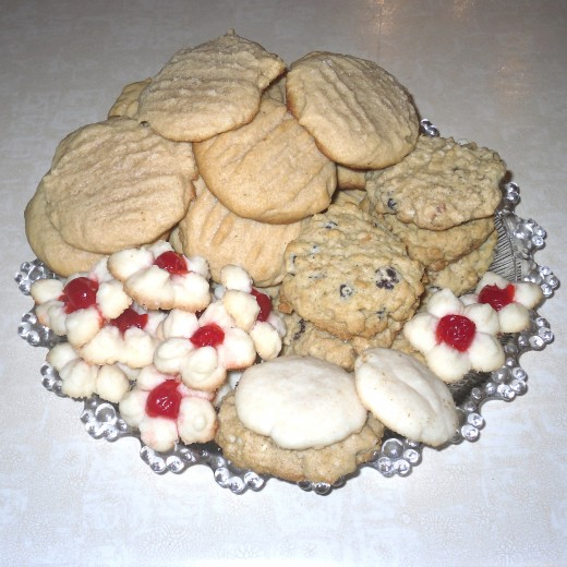 Plate of Christmas cookies ready to be gifted.