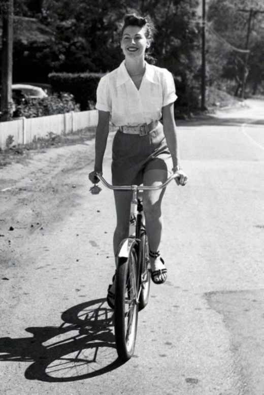 The lovely  Ava Gardner circa 1950 enjoyed a ride on her bicycle