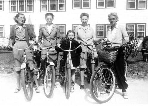 Saddle shoes gang 1908
