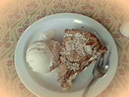 Almonds and meringue are a delicious combination.