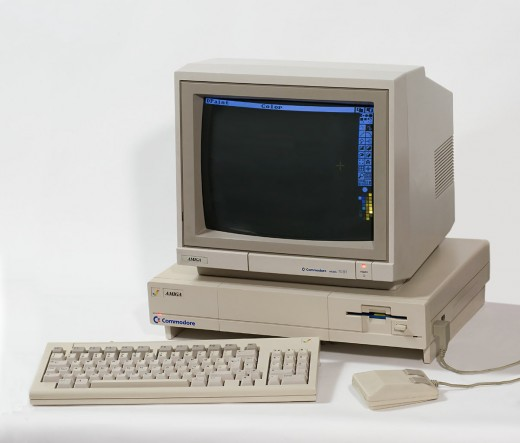 The Amiga 1000, coming with its own CRT Monitor.