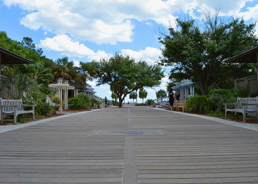 Coligny Beach is popular for its shopping, dining and attractive beach access. © Scott Bateman