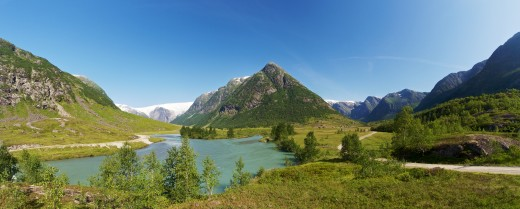 Storelvi with Austerdalen (right) and Langedalen (left), Sogn og Fjordane, Norway