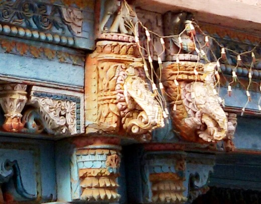 Wood carvings on a pillar