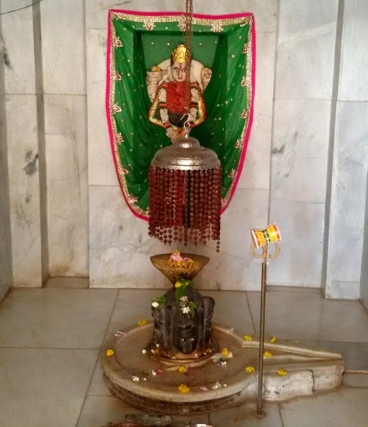 The Lingam of Panchamukhi Mahadeva with Goddess Parvati