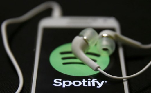 Spotify music can be played easliy on PCs at home for free without relevant restrictions. However, if you want to get the best experience with a smartphone, a Premium subscription will be required.
