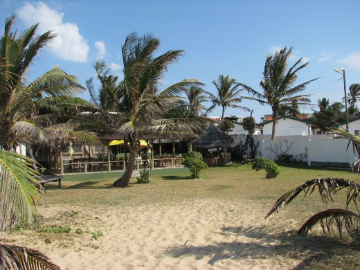 Florestinho's Restaurant serves amazing peri peri prawns, chicken and prawn cakes and is situated on the beachfront.