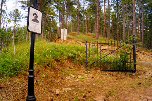 A sign points to the trail that will take you 750 ft above the cemetery to Seth Bullock's gravesite.