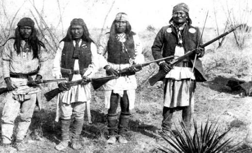 Apache leader Geronimo, Yanozha, Chappo, and Fun in 1886.
