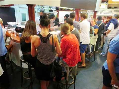 Eating tapas at Il Diluvio, Calle Atualfo Argenta 14