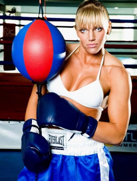 Duda Yankovich - Female Boxers