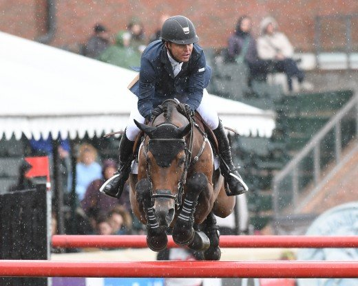 Kent Farrington and Voyeur finish fourth in the CP International.