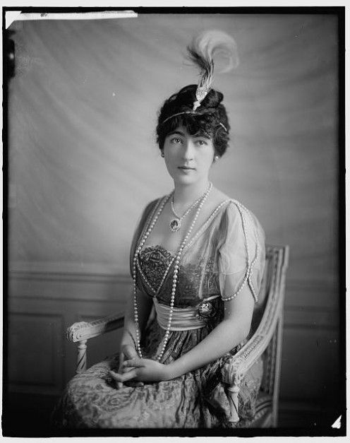 Evelyn Walsh McLean wearing the Hope Diamond