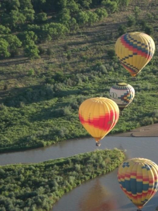 Balloons over the Rio Grande River