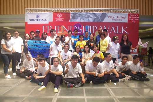 Group photo  with guests and athletes, families, unified partners