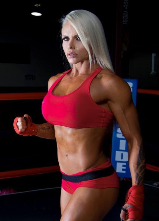 Larissa Reis, IFBB Pro