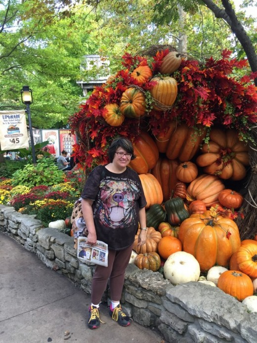 Fall decorations at Silver Dollar City was a Cornucopia filled with an abundance of pumpkins. Beautiful!