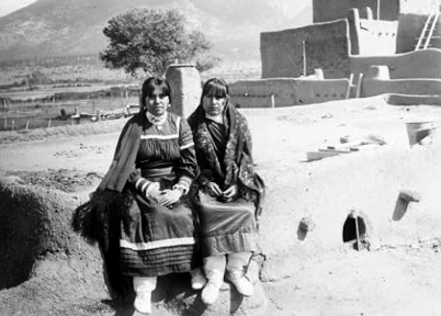 Taos Pueblo children c. 1940