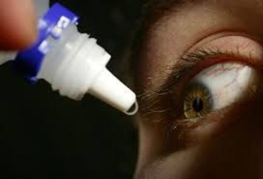 Urine being applied in the eye