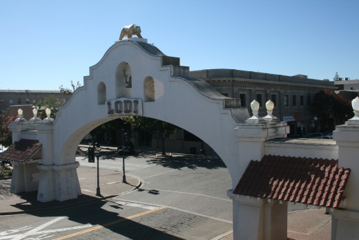 The mission-style Lodi Arch welcomes visitors into Downtown Lodi, a premier spot for wine tasting, dining and shopping.