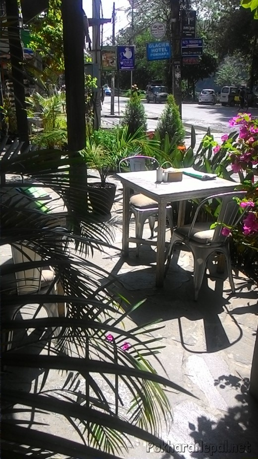 Outside seating of The Harbor Restaurant