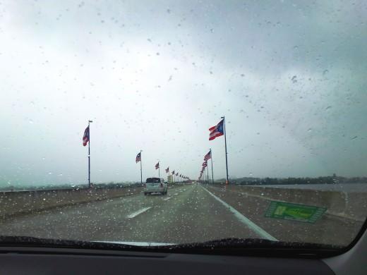 Crossing the Teodoro Moscoso Bridge upon arrival!