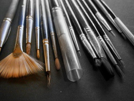An assorted choice of brushes.