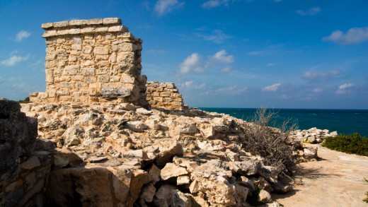 At the southern end of the island sits the old Mayan ruin, which may have served as a lookout or temple