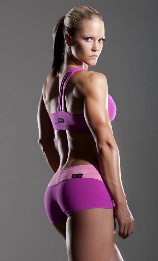 IFBB Pro Nicole Wilkins