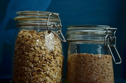 Using oatmeal helps in treating acne, reducing swelling and pimple marks.