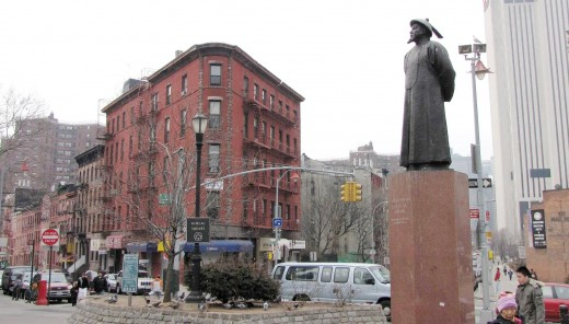 Lin Zexu statue in Chinatown, New York City.