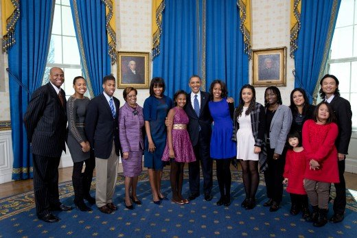 Obama 2013 family portrait with President Obama and Michelle Obama's relatives.