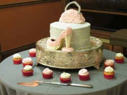 A photo of the beautiful cake which was in the form of a pump and purse.