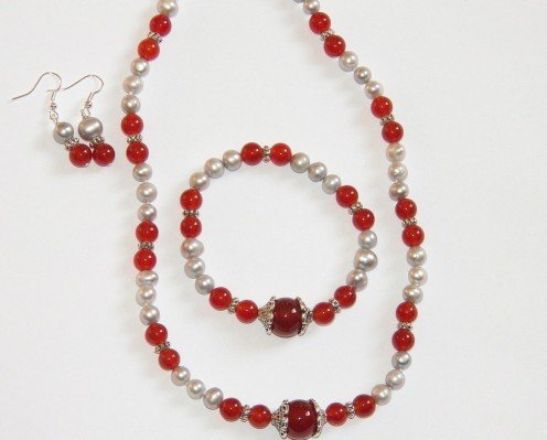 This red carnelian necklace, bracelet and earrings set goes really well with a wide variety of Halloween costumes including scary and creepy outfits as well as elegant and gorgeous dresses