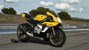 Yamaha YZF-R1 Best Sport Bike