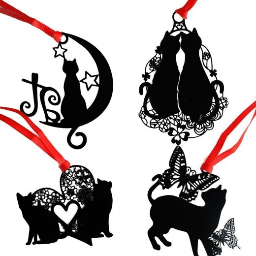 These are some pretty kitties that your book reading cat loving friend will enjoy.