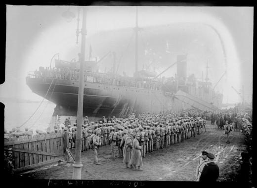 Portuguese troops disembarking in Brest 1917